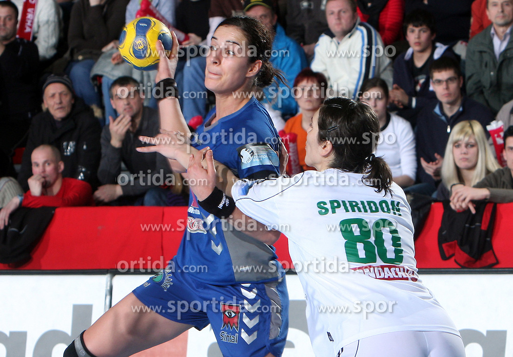 Sanja Damjanovic vs Simona Spiridon at EHF Champions league handball match in Group II between RK Krim Mercator and Gyori Audi Eto KC, on February 7, 2009, in Kodeljevo, Ljubljana, Slovenia. Gyori won 35:31. (Photo by Vid Ponikvar / Sportida)