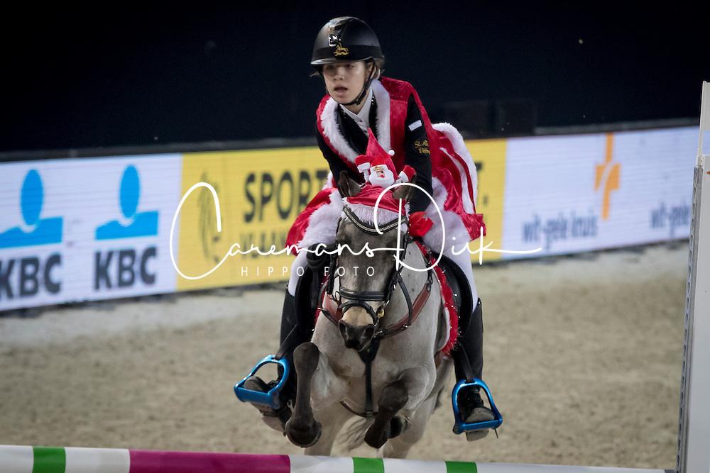 Thijs Ylona, BEL,Sarina<br /> Knock Out springen ponies<br /> Vlaanderens Kerstjumping Memorial Eric Wauters - Juming Mechelen 2016<br /> &copy; Dirk Caremans<br /> 26/12/2016er