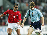 Fotball / Football<br /> World Cup Qualification<br /> 07.09.2005<br /> Oslo, Norway<br /> Norway v Scotland<br /> Norge v Skottland<br /> Photo: Morten Olsen, Digitalsport<br /> <br /> Steven Pressley (R) and Claus Lundekvam (NOR)