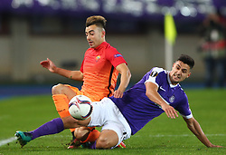 03.11.2016, Ernst Happel Stadion, Wien, AUT, UEFA EL, FK Austria Wien vs AS Roma, Gruppe E, im Bild Stephan El Shaarawy (AS Roma) und Tarkan Serbest (FK Austria Wien) // during a UEFA Europa League group E match between FK Austria Vienna and AS Roma at the Ernst Happel Stadion, Vienna, Austria on 2016/11/03. EXPA Pictures © 2016, PhotoCredit: EXPA/ Thomas Haumer