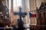 Innenansicht der St.-Nikolaus-Kirche (Kostel svatého Mikuláše) am Altstaedter Ring welche derzeit (Februar 2015) renoviert wird.