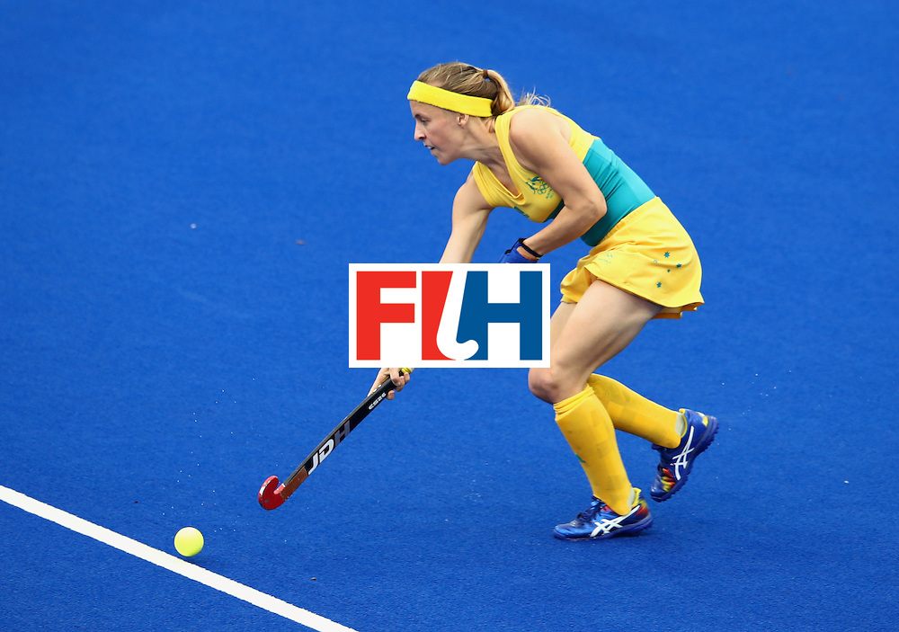 RIO DE JANEIRO, BRAZIL - AUGUST 10:  Emily Smith of Australia in action during the Women's Pool B Match between India and Australia on Day 5 of the Rio 2016 Olympic Games at the Olympic Hockey Centre on August 10, 2016 in Rio de Janeiro, Brazil.  (Photo by Mark Kolbe/Getty Images)