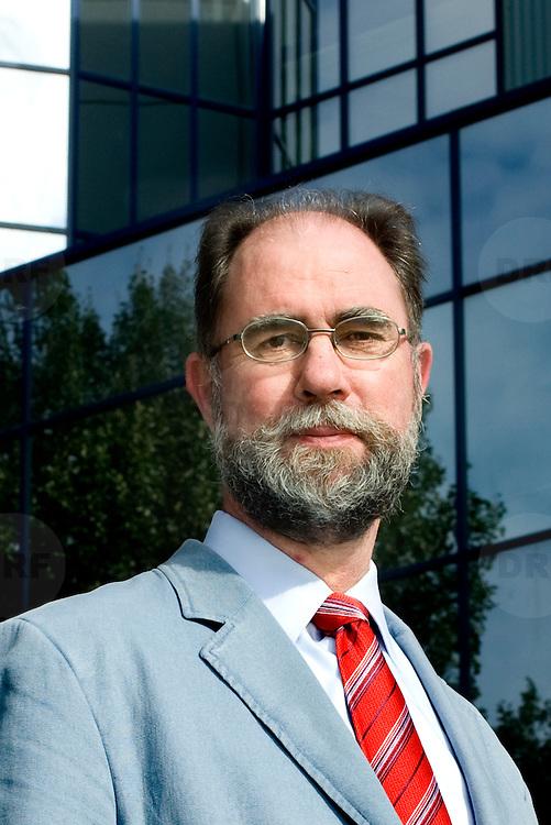 Nederland Nijmegen 19 september 2007 .Fred Rausch, de nieuwe directeur van NXP Nijmegen die tevens directeur is van NXP Nederland..Foto David Rozing