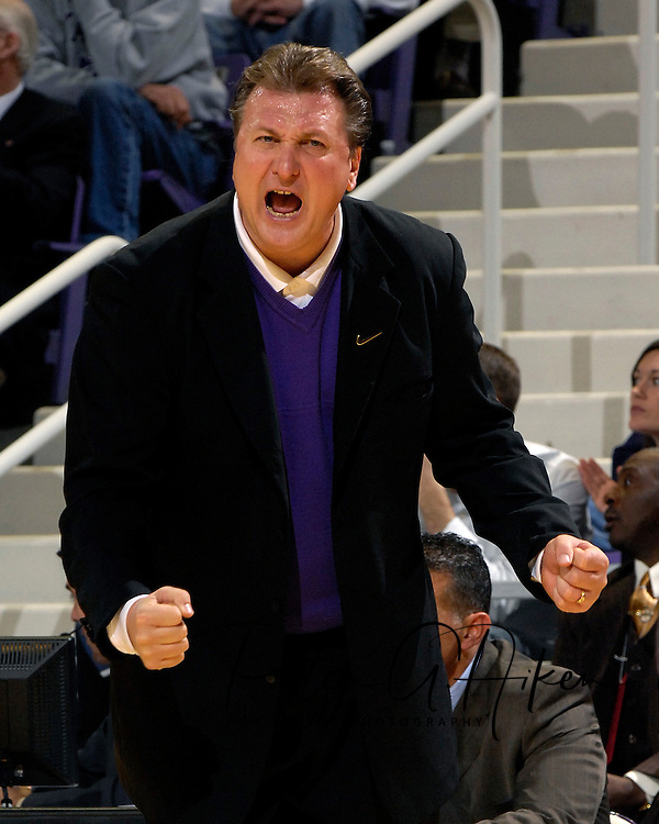 Kansas State head coach Bob Huggins yells outs some instructions in the first half against Texas Tech at Bramlage Coliseum in Manhattan, Kansas, January 8, 2007.  Texas Tech defeated K-State 62-52.
