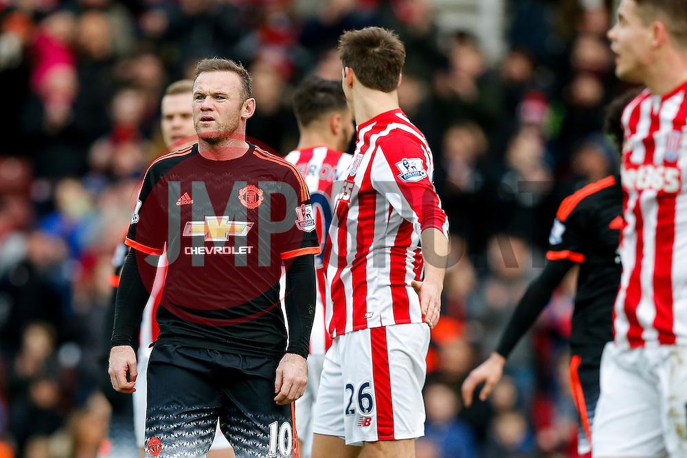 Wayne Rooney of Manchester United looks frustrated - Mandatory byline: Rogan Thomson/JMP - 26/12/2015 - FOOTBALL - Britannia Stadium - Stoke, England - Stoke City v Manchester United - Barclays Premier League - Boxing Day Fixture.