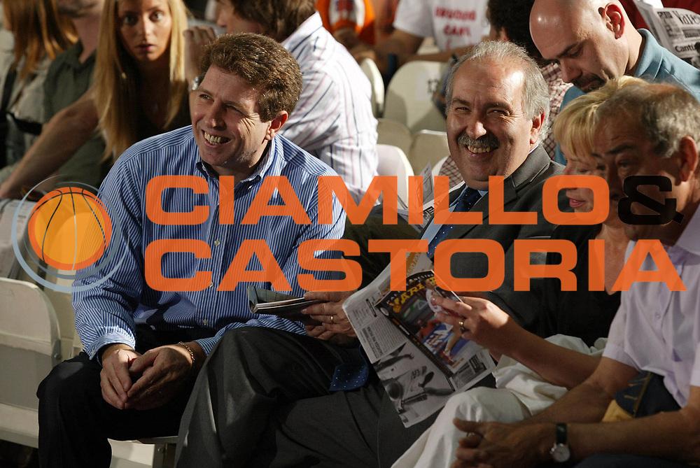 DESCRIZIONE : Varese Lega A1 2006-07 Whirlpool Varese Tisettanta Cantu<br /> GIOCATORE : Chiapparo Maifredi<br /> SQUADRA : Whirlpool Varese<br /> EVENTO : Campionato Lega A1 2006-2007 <br /> GARA : Whirlpool Varese Tisettanta Cantu<br /> DATA : 28/04/2007 <br /> CATEGORIA : Ritratto<br /> SPORT : Pallacanestro <br /> AUTORE : Agenzia Ciamillo-Castoria/G.Cottini