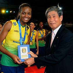 23-08-2009 VOLLEYBAL: WGP FINALS CEREMONY: TOKYO <br /> Brazilie wint de World Grand Prix 2009 / Fabiana Claudino<br /> ©2009-WWW.FOTOHOOGENDOORN.NL