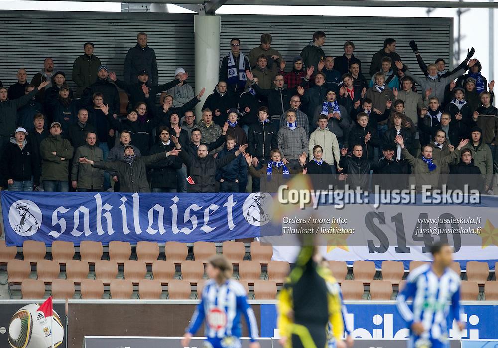 Sakilaiset. HJK - AC Oulu. Veikkausliiga. Helsinki 10.5.2010. Photo: Jussi Eskola