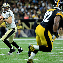Aug 26, 2016; New Orleans, LA, USA;  New Orleans Saints quarterback Drew Brees (9) against the Pittsburgh Steelers during the first half of a preseason game at Mercedes-Benz Superdome. Mandatory Credit: Derick E. Hingle-USA TODAY Sports