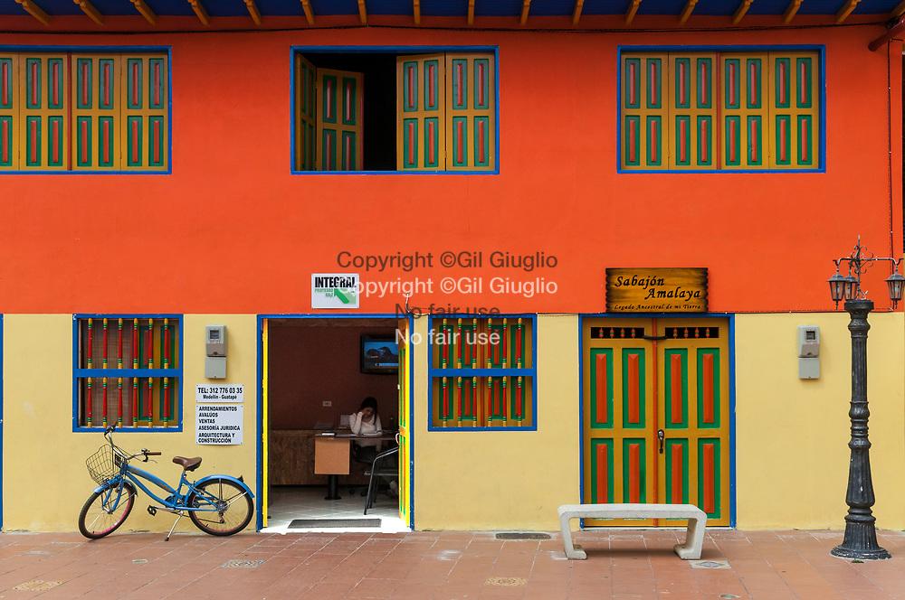 Colombie, Antioquia, Guatape, centre ville rénové et classé au Patrimoine Mondial de l'Unesco// Colombia, Antioquia, Guatape, renovate part in old city center at the World Heritage of Unesco