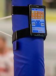 23-09-2016 NED: EK Kwalificatie Nederland - Oostenrijk, Koog aan de Zaan<br /> Nederland wint met 3-0 van Oostenrijk / display scheidsrechter score paalscore