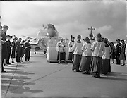 27/05/1956<br /> 05/27/1956<br /> 27 May 1956<br /> Blessing of the Aer Lingus fleet at Dublin Airport.  Prayers at mobile alter before a Vickers Viscount aircraft. Note the representatives of different branches of the Aer Lingus staff on either side.