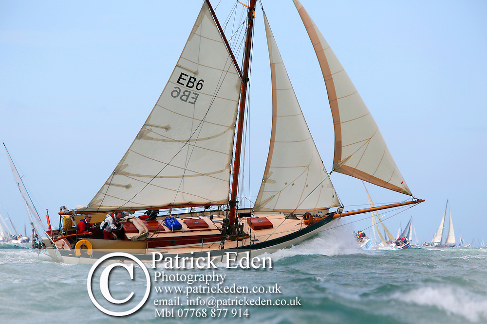 EB6 IVY GREEN Round the island Race 2016