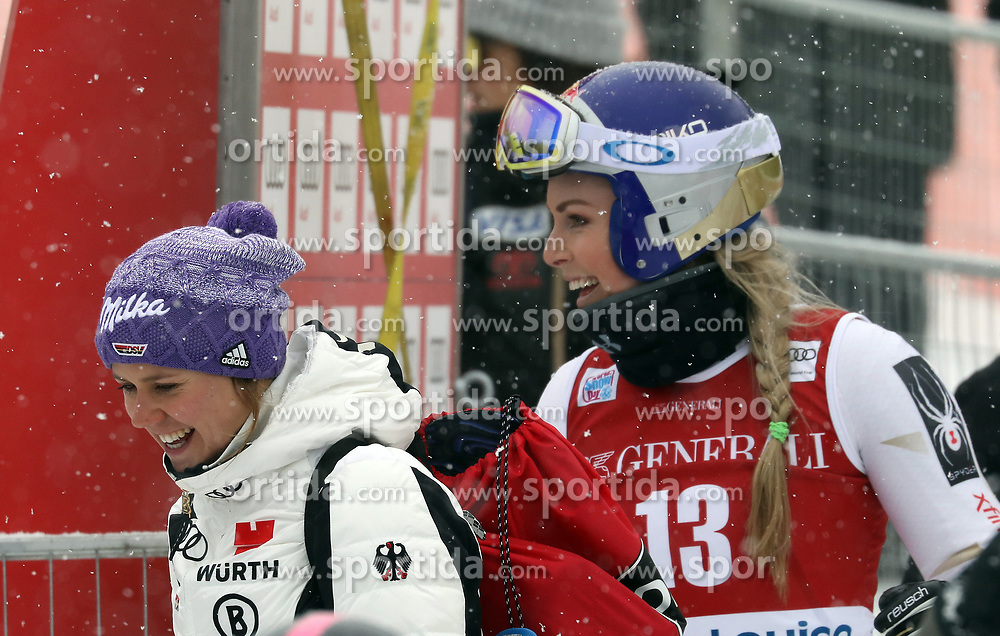 28.11.2017, Lake Louise, CAN, FIS Weltcup Ski Alpin, Lake Louise, Abfahrt, Damen, 1. Training, im Bild Lindsey Vonn (USA), Viktoria Rebensburg (GER) // Lindsey Vonn of the USA, Viktoria Rebensburg of Germany during the 1st practice run of ladie's Downhill of FIS Ski Alpine World Cup in Lake Louise, Canada on 2017/11/28. EXPA Pictures &copy; 2017, PhotoCredit: EXPA/ Sammy Minkoff<br /> <br /> *****ATTENTION - OUT of GER*****