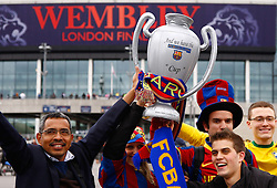 28.05.2011, Wembley Stadium, London, ENG, UEFA CHAMPIONSLEAGUE FINALE 2011, FC Barcelona (ESP) vs Manchester United (ENG), im Bild Fans in front of the Stadium prior to the 2011UEFA  Champions League final between Manchester United from England and FC Barcelona from Spain, played at Wembley Stadium London, EXPA Pictures © 2011, PhotoCredit: EXPA/ M. Gunn
