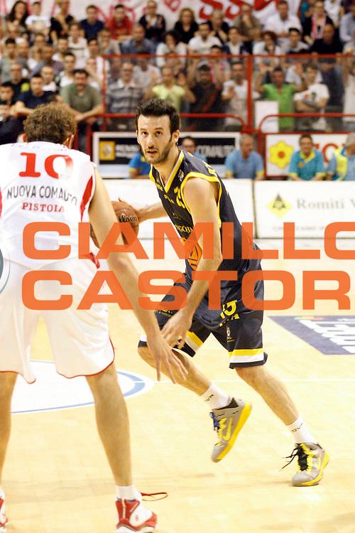 DESCRIZIONE : Pistoia Lega A2 2012-13 Playoff Quarti di finale Gara1 Giorgio Tesi Group Pistoia Givova Scafati<br /> GIOCATORE : Sorrentino Gennaro <br /> SQUADRA : Givova Scafati<br /> EVENTO : Campionato Lega A2 2012-2013<br /> GARA : Giorgio Tesi Group Pistoia Givova Scafati Playoff quarti di finale gara1<br /> DATA : 1105/2013<br /> CATEGORIA : Palleggio<br /> SPORT : Pallacanestro<br /> AUTORE : Agenzia Ciamillo-Castoria/Stefano D'Errico<br /> Galleria : Lega Basket A2 2012-2013 <br /> Fotonotizia : Pistoia Lega A2 2012-2013 Playoff Quarti di finale Gara1 Giorgio Tesi Group Pistoia Givova Scafati<br /> Predefinita :