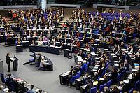 30 NOV 2005, BERLIN/GERMANY:<br /> Uebersicht der Fraktionen im Plenarsaal, Die Links/PDS, SPD, B90/Die Gruenen, CDU/CSU und FDP (v.L.n.R.), waehrend der Regierungserklaerung von Angela Merkel, CDU, Bundeskanzlerin, Plenum, Deutscher Bundestag<br /> IMAGE: 20051130-01-010<br /> KEYWORDS: Rede, speech, Übersicht