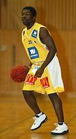 Basket - Blno. Asker Aliens mot svenske M7 Borås i Vollenhallen 13. september 2002. Kito Ngoie, Asker Aliens. <br /> <br /> Foto: Andreas Fadum, Digitalsport