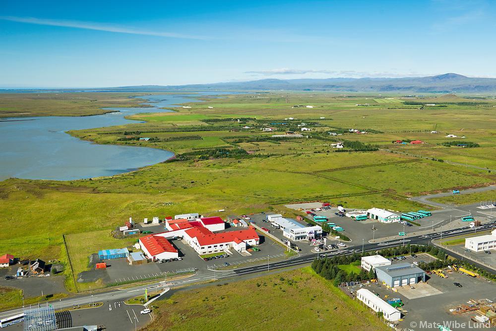 Selfoss séð til vesturs. Iðnaðarhverfi fremst.  Sveitarfélagið Árborg /  Selfoss viewing west,  Industrial region in foreground. Sveitarfelagid Arborg.