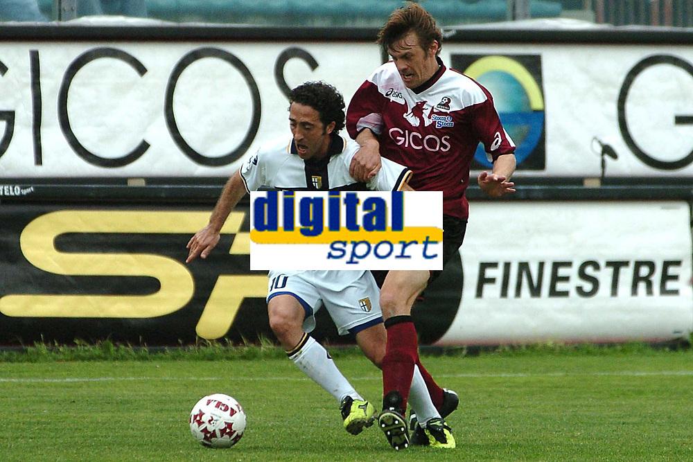 Fotball<br /> Serie A Italia 2004/05<br /> Reggina v Parma<br /> 10. april 2005<br /> Foto: Digitalsport<br /> NORWAY ONLY<br /> Morfeo Parma and Franceschini Reggina