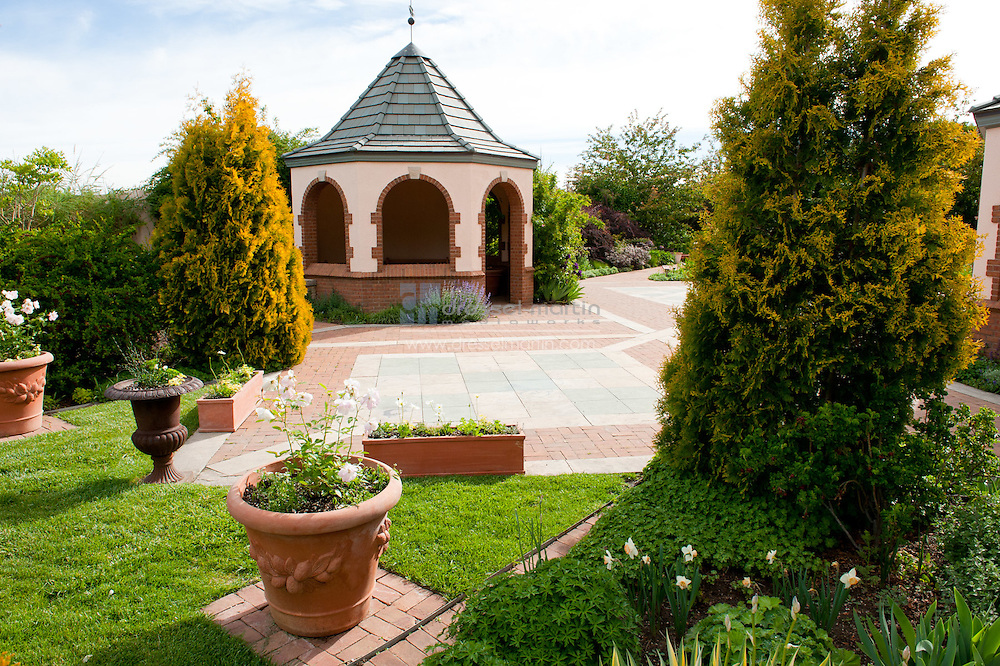 Romantic Gardens, Mid-May