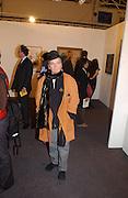 Maggi Hambling, Art 2003 London Art Fair opening. Business Design Centre.  14 January 2003. © Copyright Photograph by Dafydd Jones 66 Stockwell Park Rd. London SW9 0DA Tel 020 7733 0108 www.dafjones.com