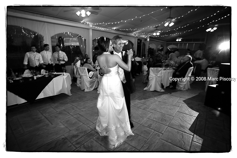 SHOT 9/20/08 7:19:29 PM - Wedding of Amber Bowlin and Billy Eaton at the Cherry Creek Country Club in Denver, Co.(Photo by Marc Piscotty / © 2008)