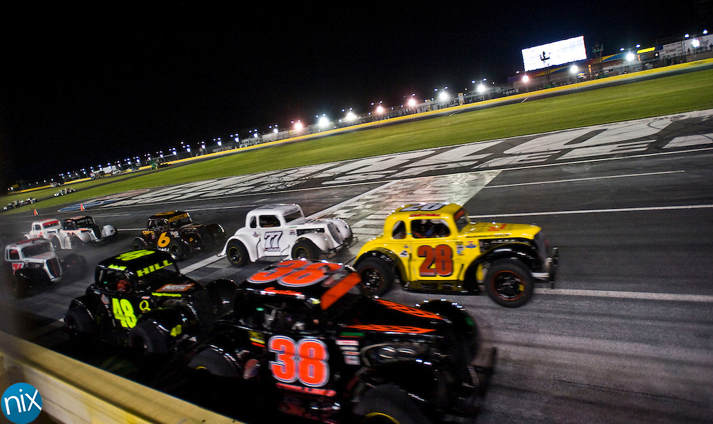 Drivers start the Big Money 100 at Charlotte Motor Speedway Tuesday night. (photo by James Nix)