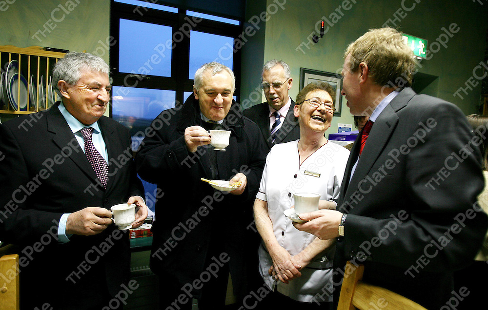 Senator Brendan Daly,Taoiseach Bertie Ahern ,Minister Tony Killeen and Senator Timmy Dooley take time for a cuppa with Marian Hynes,Clinical Nurse Manager during the Taoiseach's visit to Kilrush Hospital on Thursday.<br />