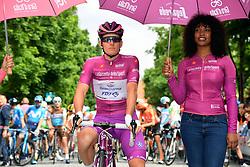 26.05.2019, Como, ITA, Giro d Italia 2019, 15. Etappe, Ivrea - Como (237 km), im Bild Arnaud Demare (Groupama - FDJ) // Arnaud Demare (Groupama - FDJ) during stage 15 of the 102nd Giro d'Italia cycling race from Ivrea to Como (237 km) Como, Italy on 2019/05/26. EXPA Pictures © 2019, PhotoCredit: EXPA/ laPresse/ Gian Mattia D'Alberto<br /> <br /> *****ATTENTION - for AUT, SUI, CRO, SLO only*****