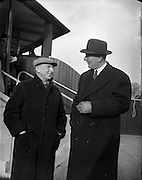 13/02/1953<br /> 02/13/1953<br /> 13 February 1953<br /> Annual New Years (horse) Sales at the R.D.S., Ballsbridge, Dublin. <br /> Right is Galway-Greer, horse trainer. Left is J.W. Osbourne, horse trainer, Dublin.