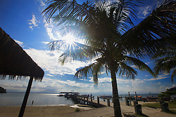 A praia de Encantadas, na Ilha do Mel é um ponto turístico de muita importancia no estado do Paraná. Muitas pessoas consideram que a ilha tem as melhores praias do estado. A ilha, fazendo parte do município de Paranaguá, é administrada pelo Instituto Ambiental do Paraná (IAP). FOTO: Jefferson Bernardes/Preview.com