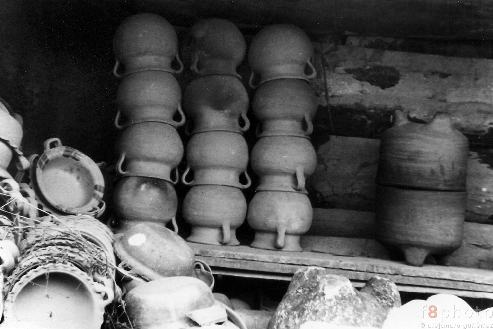 San Miguel Tenextatiloyan is a small Town in the mountain chain of Puebla. The main economic income is the Pottery.<br /> A local pottery workshop with some of the vessels they produce.