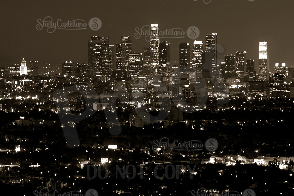 Nov 18, 2002; Hollywood, California, USA; View of the Downtown Los Angeles skyline from Beverly Hills after a hot Santa Ana windy day.  Mandatory Credit: Photo by Shelly Castellano/ZUMA Press.