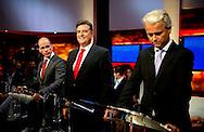 HILVERSUM - De lijsttrekkers van de zes grootste partijen, Mark Rutte (VVD), Emile Roemer (SP), Geert Wilders (PVV), Diederik Samsom (PvdA), Sybrand Buma (CDA) en Alexander Pechtold (D66) bij Knevel & Van den Brink voor het eerste tv-debat.