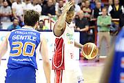 DESCRIZIONE : Campionato 2014/15 Giorgio Tesi Group Pistoia - Acqua Vitasnella Cantù<br /> GIOCATORE : Hall Langston<br /> CATEGORIA : Palleggio Schema<br /> SQUADRA : Giorgio Tesi Group Pistoia<br /> EVENTO : LegaBasket Serie A Beko 2014/2015<br /> GARA : Giorgio Tesi Group Pistoia - Acqua Vitasnella Cantù<br /> DATA : 30/03/2015<br /> SPORT : Pallacanestro <br /> AUTORE : Agenzia Ciamillo-Castoria/S.D'Errico<br /> Galleria : LegaBasket Serie A Beko 2014/2015<br /> Fotonotizia : Campionato 2014/15 Giorgio Tesi Group Pistoia - Acqua Vitasnella Cantù<br /> Predefinita :