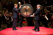 Koning Willem-Alexander bij de opening van het nieuwe Tivoli Vredenburg concert gebouw in Utrecht. Het nieuwe gebouw heeft 5 concertzalen.<br /> <br /> King Willem-Alexander at the opening of the new Tivoli Vredenburg concert building in Utrecht. The new building has 5 concerthalls. <br /> <br /> Op de foto / On the photo:  Koning Willem-Alexander en directeur TivoliVredenburg Frans Vreeke bij de officiele opening<br /> <br /> King Willem-Alexander and director Tivoli Vredenburg Frans Vreeke at the official opening