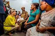 31-10-2017 LAGOS NIGERIA -  Koningin Maxima bezoekt Subol Hospital Begroeting binnen door de heer Onno Schellekens, directeur PharmAccess en mevrouw N. Ndili, country director PharmAccess. In de hal van het ziekenhuis geeft Dr. Anthonia Ofueze een toelichting op het gebruik van de ziektekostenverzekering en krijgt pati&euml;nte Amoo Labake, 37 jaar, moeder van 2 kinderen, een ziektekostenverzekering op haar telefoon. Aansluitend gaat de dokter met de patient naar de spreekkamer voor een medisch gesprek en invullen van de data. De delegatie kan een deel van dit proces in de hal via de televisie volgen.   Koningin Maxima bezoekt in haar hoedanigheid van speciale pleitbezorger van de secretaris-generaal van de Verenigde Naties voor inclusieve financiering voor ontwikkeling (inclusive finance for development) de Federale Republiek Nigeria van maandag 30 oktober tot en met donderdag 2 november 2017.  Copyright Robin Utrecht <br /> <br /> <br /> 31-10-2017 LAGOS NIGERIA - Queen Maxima visits Subol Hospital Greeting greeted by Mr. Onno Schellekens, PharmAccess Director and Ms N. Ndili, Country Director PharmAccess. In the hall of the hospital, Dr. Anthonia Ofueze explains the use of health insurance and receives patient Amoo Labake, 37 years old, mother of 2 children, a health insurance on her phone. The doctor then goes to the doctor's office for a medical interview and completing the data. The delegation can follow part of this process in the hall via television. Queen Maxima, in her capacity as Queen maxima visits Nigeria as United Nation secretary Generals special advocate for inclusive Finance for developments. <br />   visits the Federal Republic of Nigeria from Monday 30 October to Thursday, November 2, 2017. Copyright Robin Utrecht