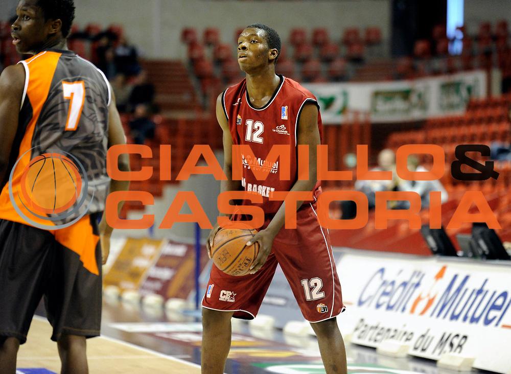 DESCRIZIONE : Championnat de France Basket Ligue Espoir au Mans<br /> GIOCATORE : Vafessa FOFANA<br /> SQUADRA : Cholet<br /> EVENTO : Ligue Espoir 2010-2011<br /> GARA : Le Mans Cholet<br /> DATA : 13/11/2010<br /> CATEGORIA : Basketbal France Ligue Espoir<br /> SPORT : Basketball<br /> AUTORE : JF Molliere/Herve Petitbon par Agenzia Ciamillo-Castoria <br /> Galleria : France Basket 2010-2011 Action<br /> Fotonotizia : Championnat de France Basket Ligue Espoir au Mans<br /> Predefinita :