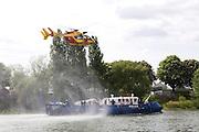 Paris, France. 4 Mai 2009..Brigade Fluviale de Paris..15h51 Entrainement d'helitreuillage..Paris, France. May 4th 2009..Paris fluvial squad..3:51 pm Winching up into a helicopter training..