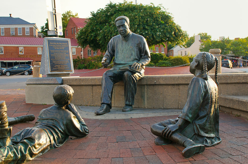 The Kunta Kinte-Alex Haley Memorial, City Dock, Annapolis, Maryland, USA
