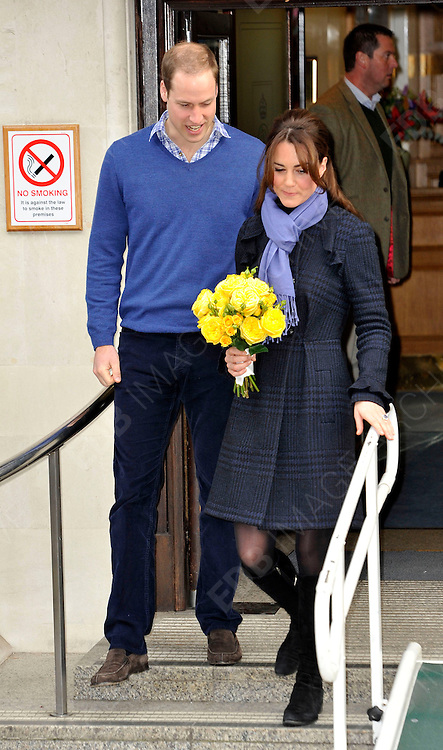 06.DECEMBER.2012. LONDON<br /> <br /> PRINCE WILLIAM AND HIS WIFE THE DUCHESS OF CAMBRIDGE LEAVING THE KING EDWARD VII HOSPITAL AFTER BEING ADMITTED FOR ACUTE MORNING SICKNESS AND SPENDING 3 NIGHTS AT THE LONDON HOSPITAL.<br /> <br /> BYLINE: EDBIMAGEARCHIVE.CO.UK<br /> <br /> *THIS IMAGE IS STRICTLY FOR UK NEWSPAPERS AND MAGAZINES ONLY*<br /> *FOR WORLD WIDE SALES AND WEB USE PLEASE CONTACT EDBIMAGEARCHIVE - 0208 954 5968*