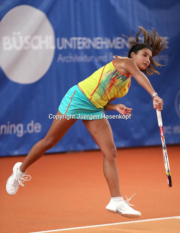 ITF Bueschl  Open 2012, ITF Women's Circuits Damen Hallen Tennis Turnier in Ismaning,Katharina Lehnert (GER),Aufschlag,Aktion,Einzelbild,.Ganzkoerper,Hochformat,