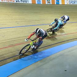 30-12-2017: Wielrennen: NK Baan: Alkmaar<br />Keirin Jeffrey Hoogland trekt de groep uit elkaar op de keirin