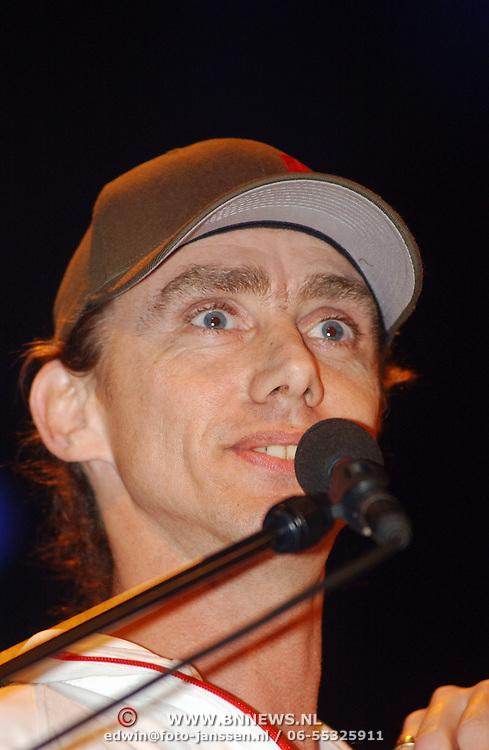 Harpengala 2003, Zilveren Harp winaar, Beef, zanger Pieter Both