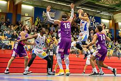 16.03.2019, SPH Walfersam, Kapfenberg, AUT, Admiral BBL, Kapfenberg Bulls vs Vienna D.C. Timberwolves, 29. Runde, im Bild v.l.: Joseph Scott (Vienna D.C. Timberwolves), Xavie Ford (Kapfenberg Bulls), Marko Kolaric (Vienna D.C. Timberwolves), Marck Coffin (Kapfenberg Bulls), Julien Hoerberg (Vienna D.C. Timberwolves) // during the Admiral Basketball league, 29th round match between Kapfenberg Bulls and Vienna D.C. Timberwolves at the SPH Walfersam in Kapfenberg, Austria on 2019/03/16. EXPA Pictures © 2019, PhotoCredit: EXPA/ Dominik Angerer