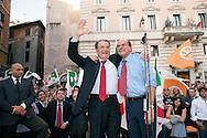 Roma  30 Maggio 2011. I partiti di centrosinistra festeggiano la vittoria delle elezioni comunali  in Italia al Pantheon con un comizio del segretario del Partito Democratico  Pier Luigi Bersani..L'abbraccio tra Romano Prodi  e  Pier Luigi Bersani.
