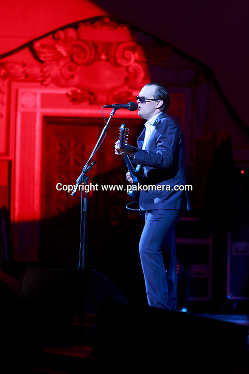 Edinburgh, Scotland, UK. 18th April 2017. Joe Bonamassa performs on stage at Usher Hall theatre. Edinburgh. Pako Mera