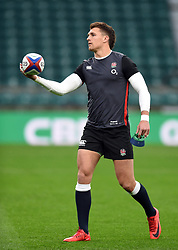 Henry Slade of England - Mandatory byline: Patrick Khachfe/JMP - 07966 386802 - 18/11/2017 - RUGBY UNION - Twickenham Stadium - London, England - England v Australia - Old Mutual Wealth Series International