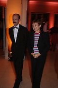 Stephen Deuchar and the Trade and Culture Secretary Tessa Jowell. Turner Whistler Monet, exhibtion opening dinner, Tate Britain. 7 February 2005, ONE TIME USE ONLY - DO NOT ARCHIVE  © Copyright Photograph by Dafydd Jones 66 Stockwell Park Rd. London SW9 0DA Tel 020 7733 0108 www.dafjones.com